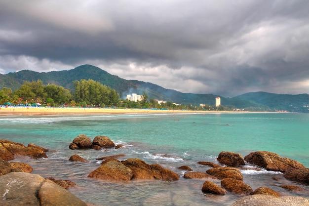 Plaża karon, wyspa phuket - tajlandia