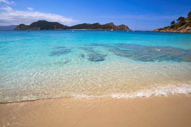 Plaża nostra senora w wyspach islas cies w vigo