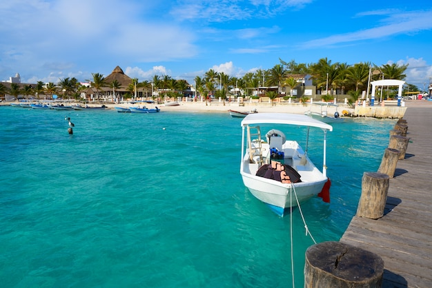 Plaża w puerto morelos w riviera maya