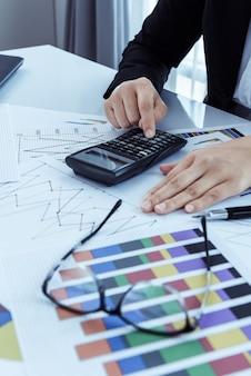 Pliki i foldery i interesu w tle z kalkulatora