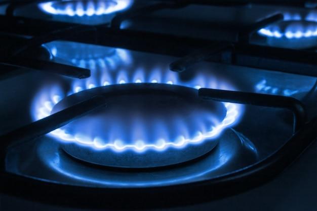 Płomień gazowy na kuchence
