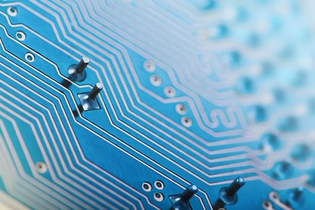 Płytka drukowana, niebieski, komputer, dane. technologia makro i koncepcja informatyczna. tło technologii sieci
