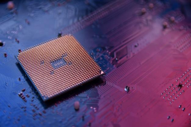 Płytka drukowana. technologia. koncepcja procesorów centralnych procesorów komputerowych. cyfrowy układ płyty głównej ai. zbliżenie