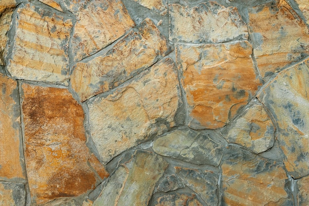 Płytki ścienne wykonane z kamienia naturalnego