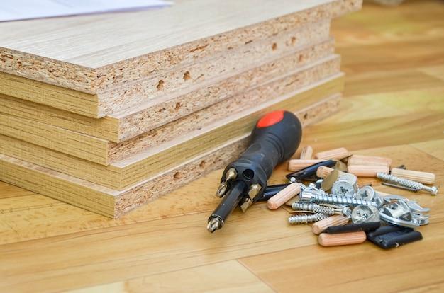 Płyty wiórowe narzędzia i części do montażu mebli skrzyniowych samodzielny montaż mebli