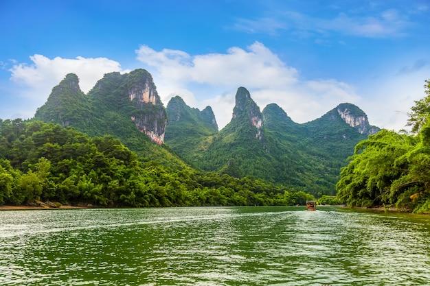 Pnia podróży refleksji krajobraz dziewięć szczyt