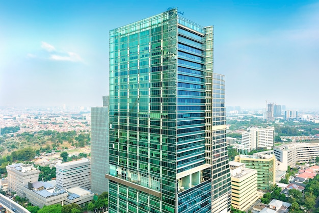 Po południu panoramę miasta dżakarta z wieżowców miejskich