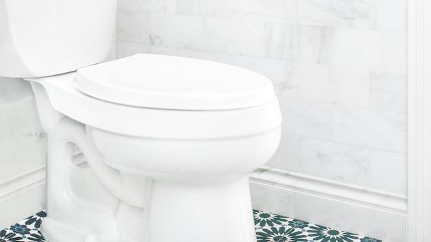 Po prostu jasna, czysta łazienka?