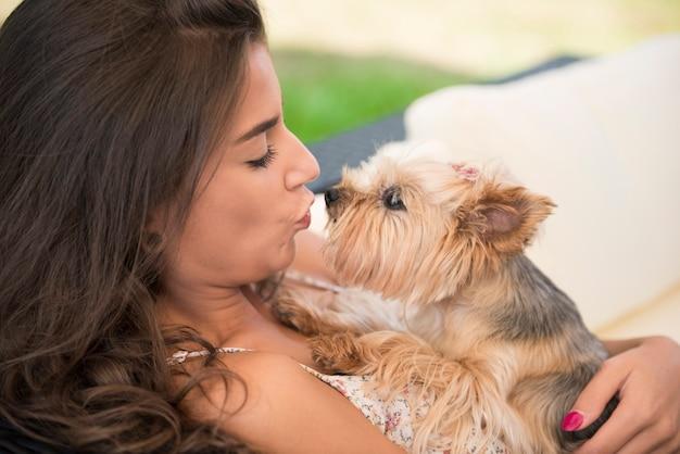 Pocałuj, pocałuj moje małe szczeniaczki