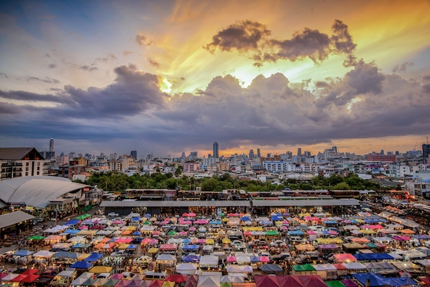 Pociąg night market ratchada - bangkok