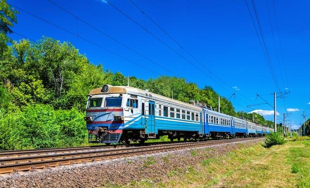 Pociąg podmiejski w obwodzie kijowskim na ukrainie