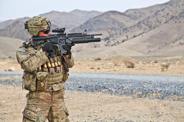 Pocisk niebezpieczny wojsko wojna kule broń