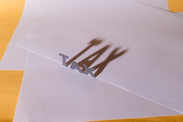 Podatek tekstowy został podświetlony, tworząc za nim długi cień