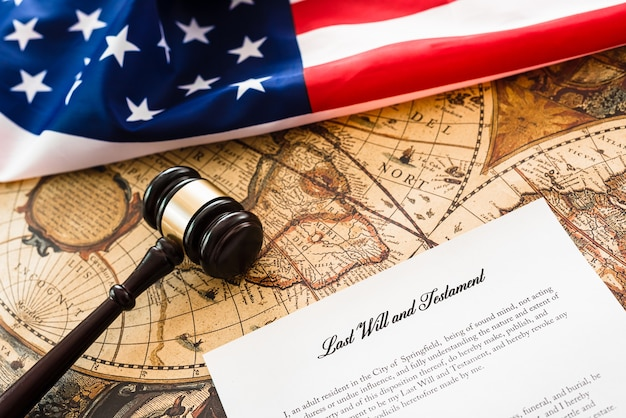 Podatnicy amerykańscy muszą płacić podatki, kiedy podpisują testament i testamenty przed śmiercią.