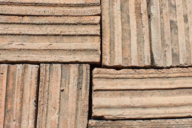 Podłoga z cegły