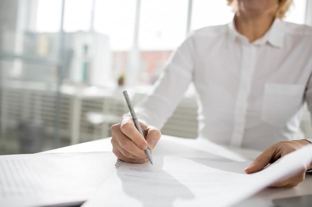 Podpisywanie papieru
