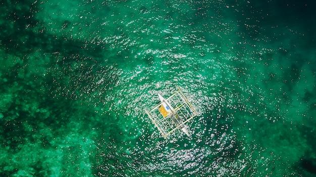 Podróż morską dzień podróży łodzi
