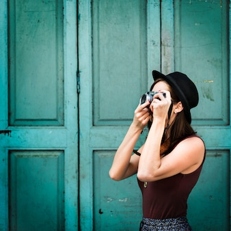 Podróżnik fotografia podróży turysty dziewczyny damy pojęcie