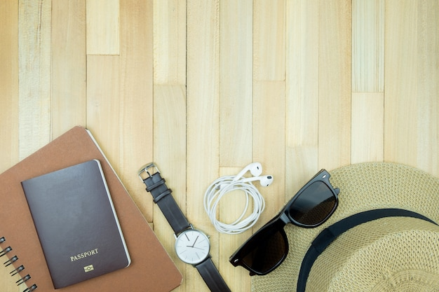 Podróżnik przedmiot drewno tło przestrzeń wakacje pojęcie płaski lay moda styl