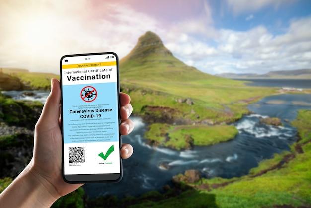 Podróżny posiada zaświadczenie o paszporcie szczepionki