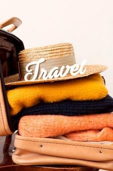 Podróżujące ubrania z tekstem podróży