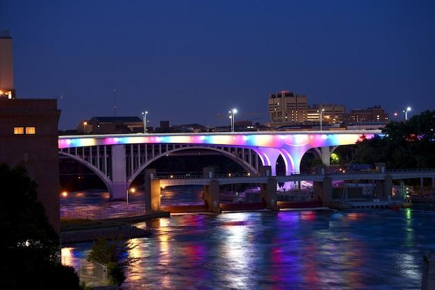 Podświetlany most