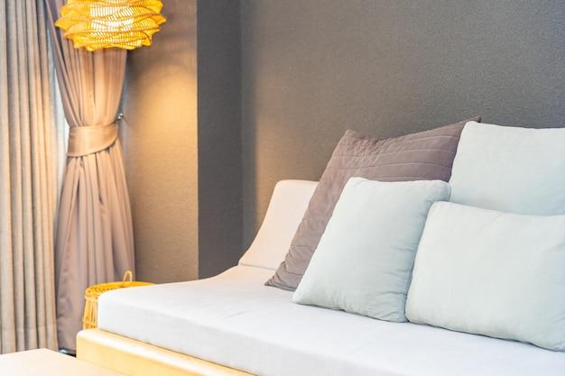 Poduszka na kanapie dekoracji wnętrza