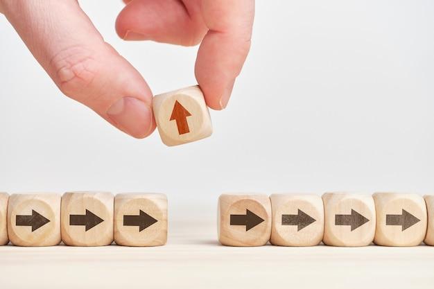 Pojęcie alternatywnego wyboru lub ścieżki biznesu i osobowości.