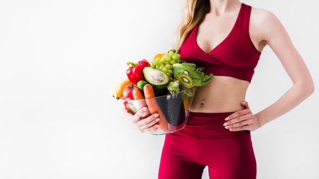 Pojęcie diety z kobieta sport i zdrowe jedzenie