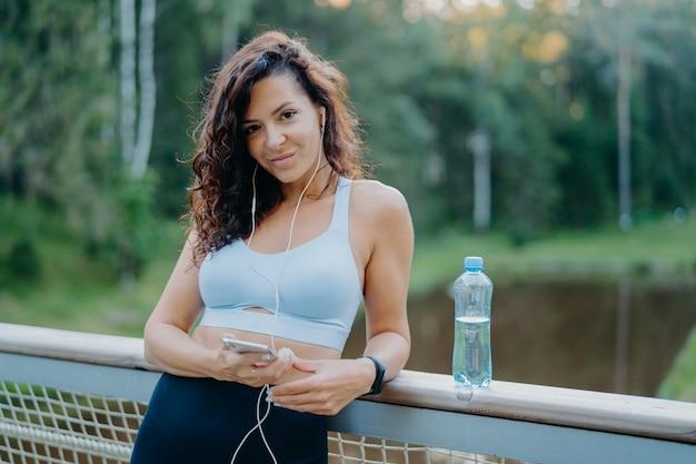 Pojęcie fitness, sport i zdrowego stylu życia