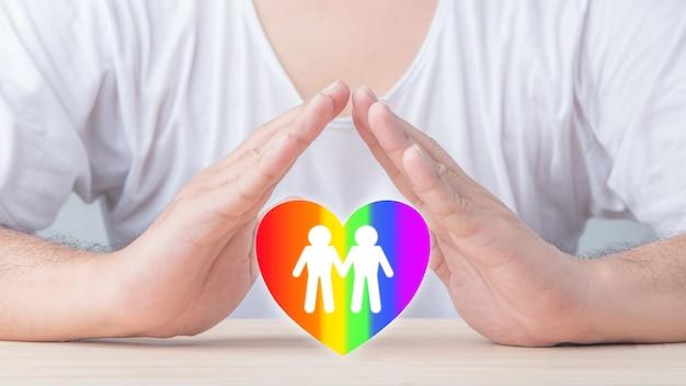 Pojęcie lgbt, aktywizmu, społeczności i wolności. małżeństwo homoseksualne tęczowe serce płaskie ikona.