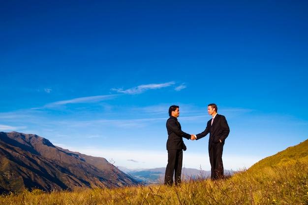 Pojęcie ludzie biznesu komunikować.