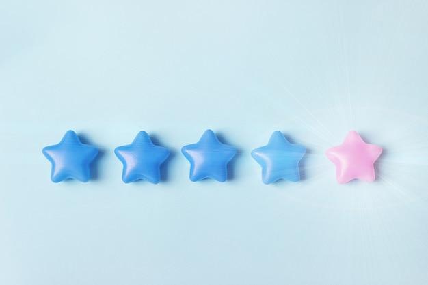 Pojęcie oceny. pięć gwiazdek, aby zwiększyć ocenę firmy, zwiększ ocenę