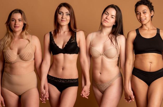 Pojęcie przyjaźni, piękna, ciała pozytywne i ludzi