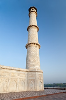Pojedyncza wieża taj mahal