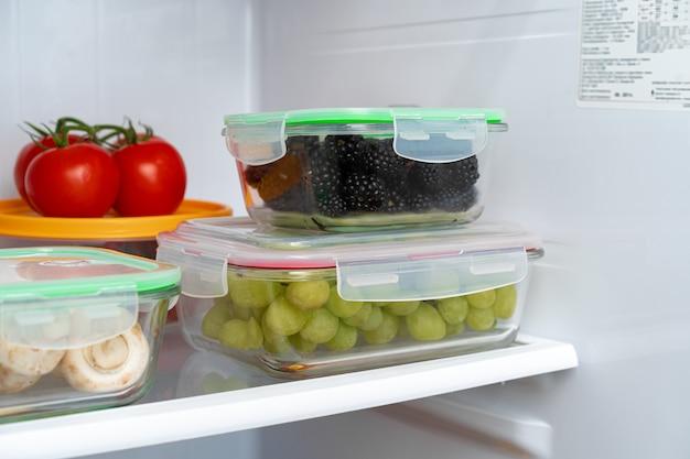 Pojemniki do przechowywania świeżej żywności w lodówce