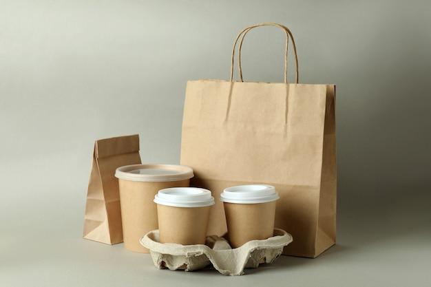 Pojemniki dostawcze na jedzenie na wynos w kolorze szarym