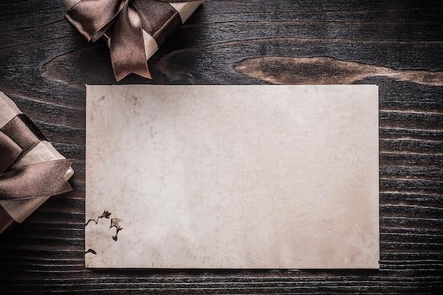Pojemniki na prezenty beaul papier widok poziomy koncepcja wakacje