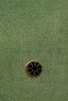Pole golfowe z pustą dziurą