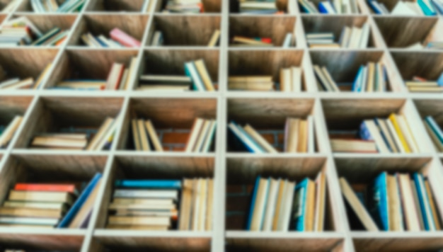 Półki biblioteczne