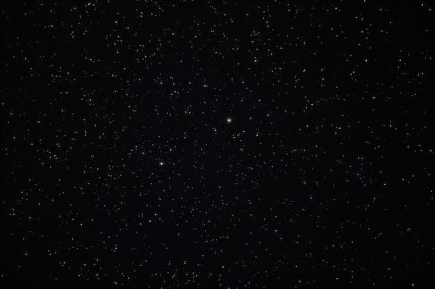Pollux i caster gwiazdy konstelacji gemini