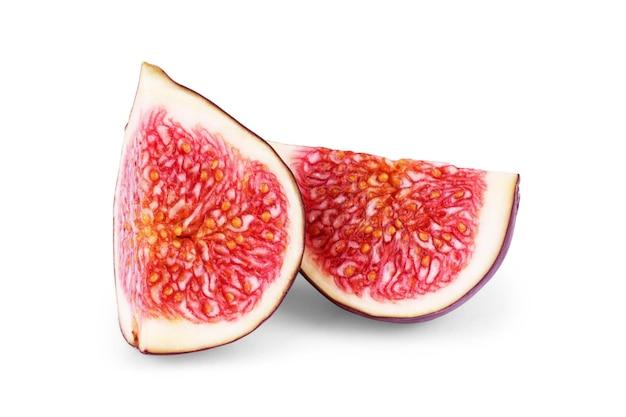 Połowa fig na białym tle