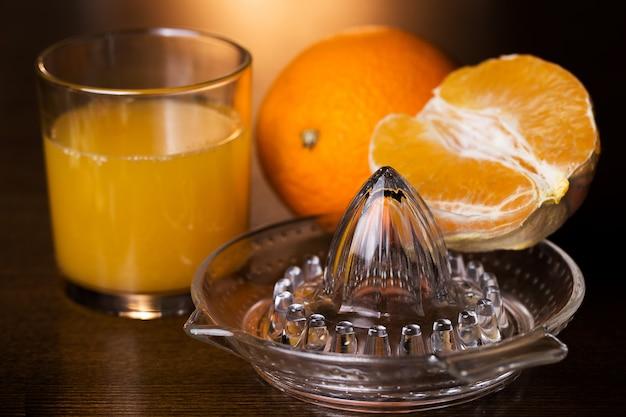 Pomarańcze i jego sok