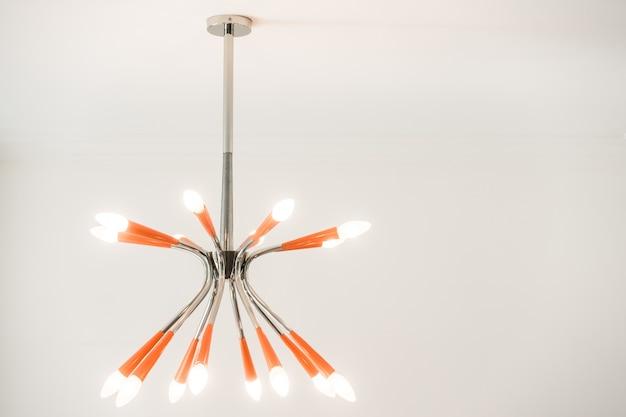 Pomarańczowa lampa sufitowa