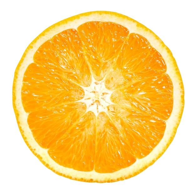 Pomarańczowe owoce pół na białym tle