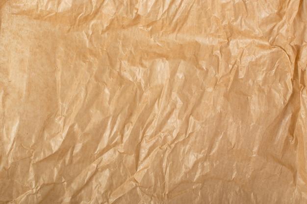 Pomarszczona tekstura papieru kraft.