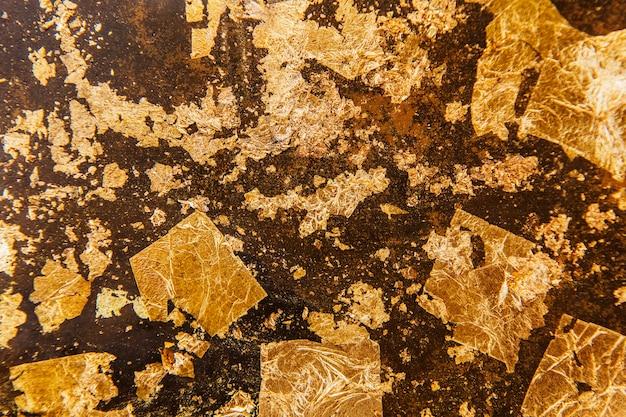 Pomarszczone złote teksturowane tło