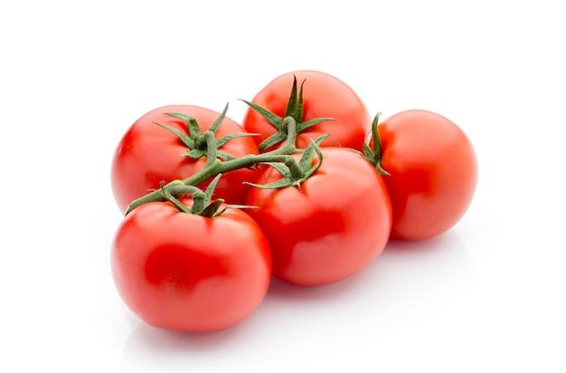 Pomidor na białym tle isolatd.