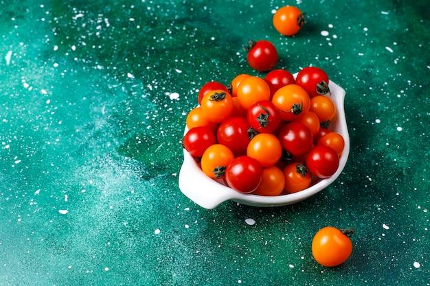 Pomidory Czereśniowe żółte I Czerwone. Darmowe Zdjęcia