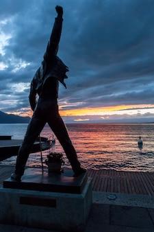 Pomnik freddiego mercury'ego w montreux w szwajcarii